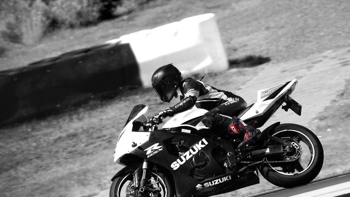 Vrouwelijke motorrijders / motorrijden