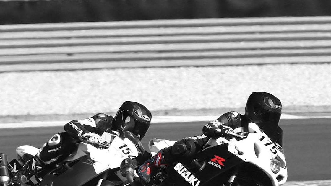 Vrouwelijke motorrijders
